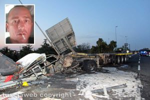 Viterbo - Superstrada - Camion esce di strada e va a fuoco - Nel riquadro Antonio Russo