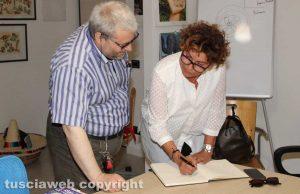 Viterbo - Tina Montinaro intervistata nella redazione di Tusciaweb