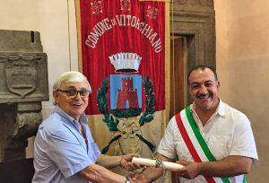 A Pietro Belli il diploma di onorificenza come Cavaliere