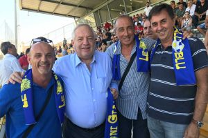 Sport - Calcio - Viterbese - I tifosi del gruppo Leoni gialloblù con Piero Camilli