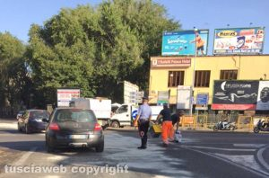 Viterbo - Perdita d'olio tra via Genova e viale Capocci