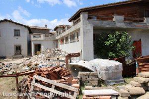 Fabrica di Roma - L'albergo confiscato