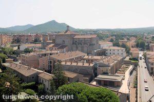 Viterbo dall'alto - Sullo sfondo Santa Maria in Gradi