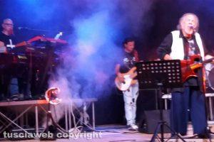 Montalto di Castro - Alberto Rocchetti suona con il fratello Santino