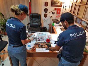 Ischia - Polizia - Il materiale sequestrato