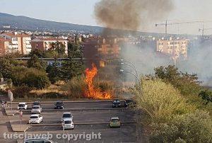 Viterbo - InceViterbo - Incendio a Santa Barbara