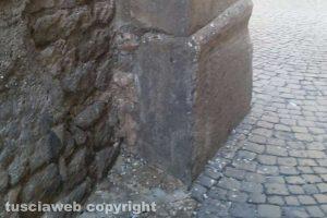 Viterbo - Incuria alla chiesa del Gonfalone