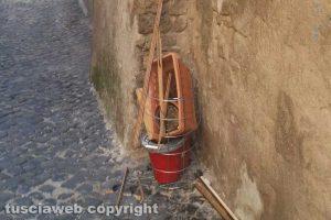 Viterbo - Rifiuti abbandonati a San Pellegrino