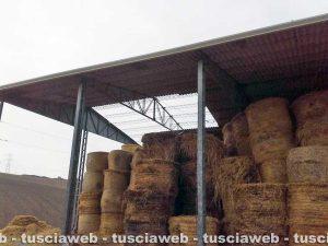 Tuscania - IL capannone scoperchiato dalla tromba d'aria