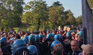 Roma - Tensione tra Casapound e antifascisti
