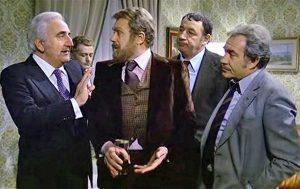 Al centro, Gastone Moschin, in una scena di Amici miei