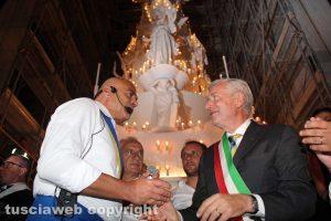 Trasporto macchina di Santa Rosa - Sandro Rossi col sindaco Leonardo Michelini