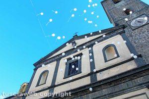 Bagnoregio - I funerali di Elena Maria Coppa - Il volo dei palloncini