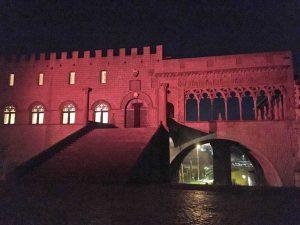 Viterbo - Palazzo dei Papi illuminato di rosa