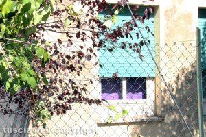 Viterbo - L'ex scuola a Ponte di Cetti