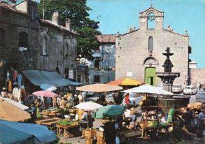 Il mercato a piazza del Gesù - Foto collezione Silvio Cappelli