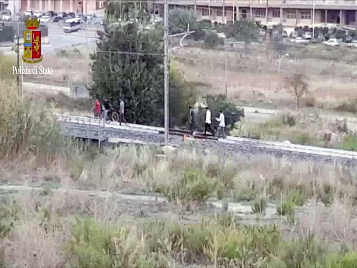 Ferrovie, una campagna per la sicurezza dei migranti