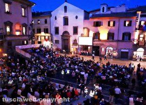Viterbo - Santa Rosa - L'attesa di Gloria a piazza del Comune
