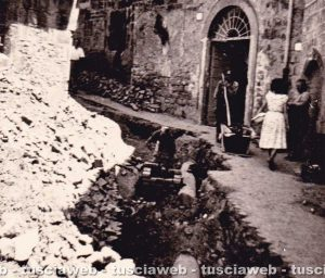 Viterbo - Via Valle Piatta 1957 - Scavi per l'interramento della tubazione del gas