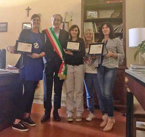 Tarquinia Il sindaco Mencarini premia le vetrine vincenticon-le-vincitrici