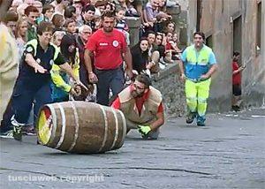 Viterbo - Festa dell'uva - Incidente al Palio delle botti
