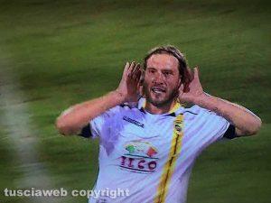 Sport - Calcio - Viterbese - Andrea Razzitti dopo il gol