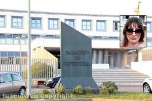 Il tribunale di Viterbo - Nel riquadro: Janina Vasilescu