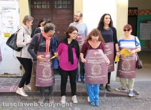 Viterbo - Il flash mob dell'Arci