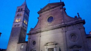 Viterbo - Piazza San Lorenzo - Il duomo e il campanile
