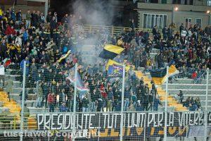 Sport - Calcio - La curva della Viterbese durante il match col Siena