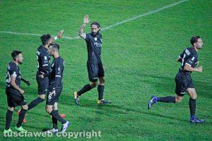 Sport - Calcio - L'esultanza del Siena dopo l'1-0 alla Viterbese