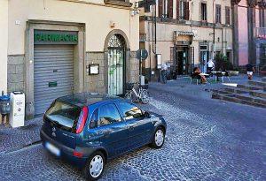 Viterbo - La farmacia di piazza fontana Grande