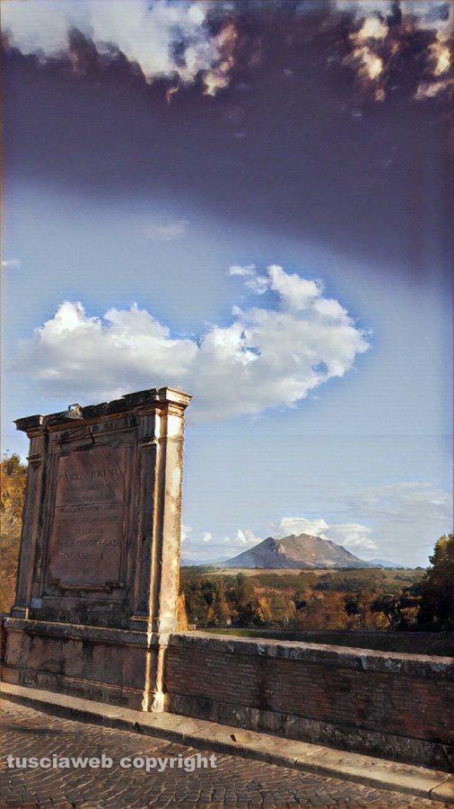 Il monte Soratte visto da Civita Castellana