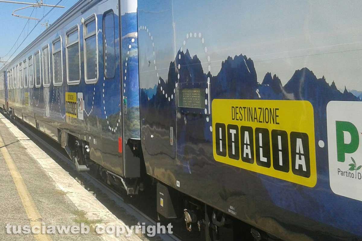 Il treno noleggiato da Renzi investe e uccide donna
