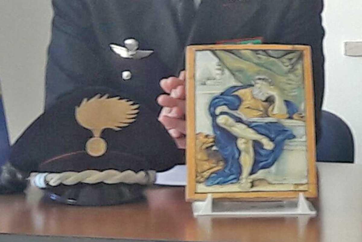 Maiolica antica rubata nel 1977 ritrovata a viterbo tusciaweb.eu
