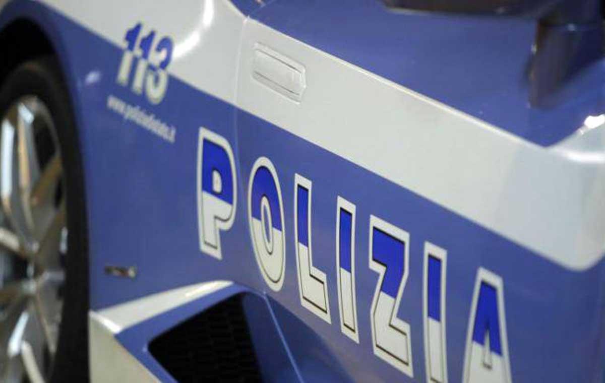 Blitz in un appartamento, arrestato un 40enne con due chili di droga