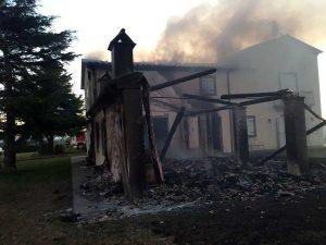 Viterbo - Il casale in fiamme