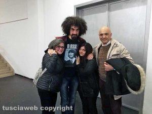 Caparezza con la mamma di Giuseppe Centamore Paola, la sorella Elisabetta e il papà Salvatore