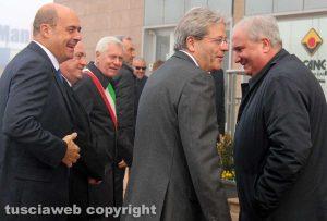Il premier Paolo Gentiloni assieme a Giuseppe Fioroni, Nicola Zingaretti, Leonardo Michelini e Giovanni Bruno