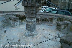 Viterbo - La fontana di Pianoscarano senza acqua