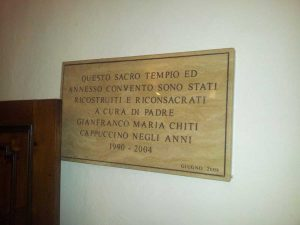 La lapide che ricorda il restauro del convento di Orvieto