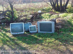 Televisori abbandonati a Ronciglione