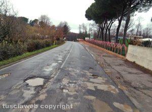 Vetralla - Buche sulla Cassia