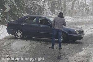 Maltempo - Auto bloccate sulla Cimina