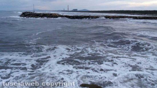Marina di Montalto di Castro - Molo Foce del Fiora