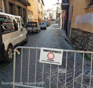 Viterbo - Via del Pavone chiusa