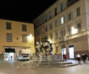 Piazza delle Erbe senza luminarie