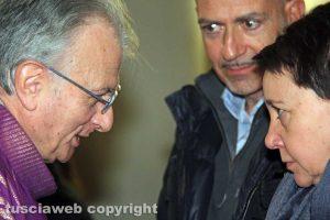 Funerali Corrado Buzzi - Don Egidio con i familiari del professore