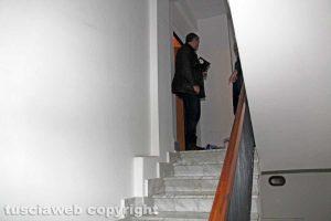 Viterbo - Delitto di via Santa Lucia - L'ingresso dell'appartamento dei coniugi Fieno