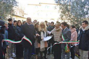 Castiglione in Teverina - Scuola Intrecci - Il taglio del nastro di Nicola Zingaretti